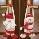 Un addobbo natalizio per la porta d'ingresso